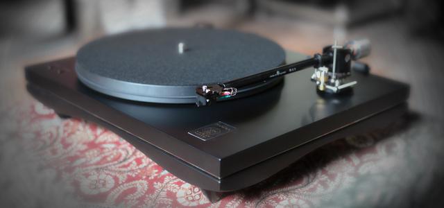 la platine vinyle un objet culte pour une coute irrempla able. Black Bedroom Furniture Sets. Home Design Ideas
